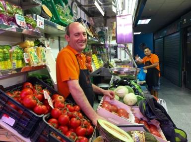 Fernando will pick the juiciest melon!